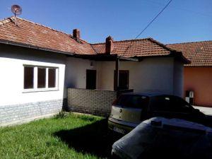 Petronija Šiša, 1-etažna kuća, Izdavanje
