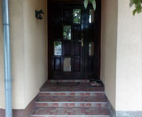 Adamovićevo Naselje, 1-etažna kuća, Izdavanje