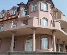 Dr Nedeljka Ercegovca, 2-etažna kuća, Izdavanje