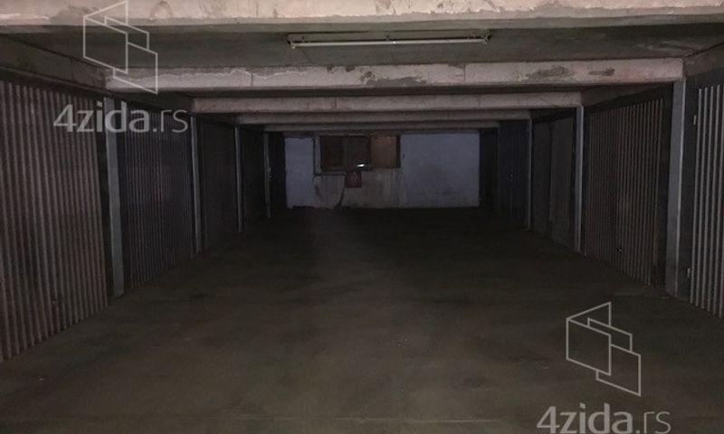Bulevar Oslobodjenja, Garaža, Izdavanje, velika slika 1
